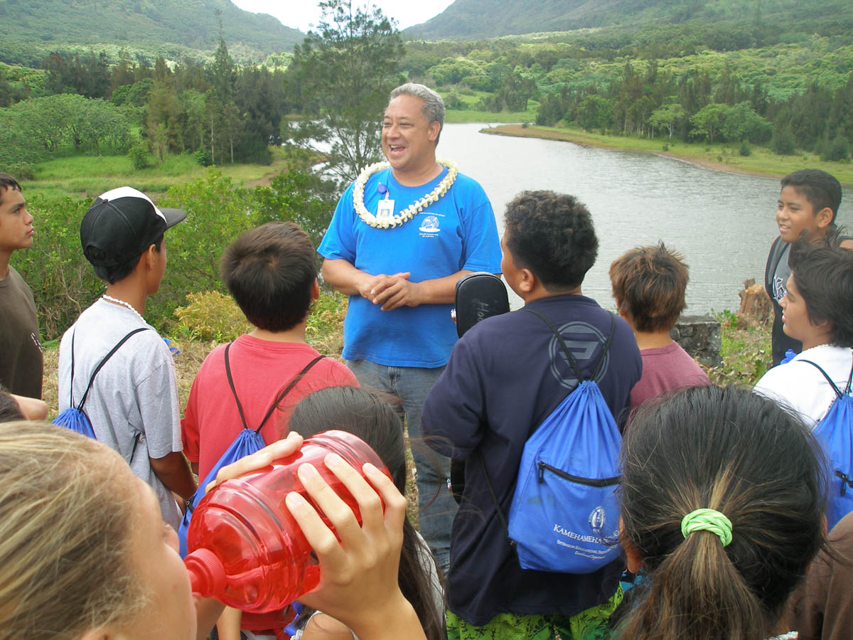 nuuanu watershed tour with arthur aiu